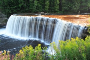 Tahquamenon Falls - Upper Falls, Attractions